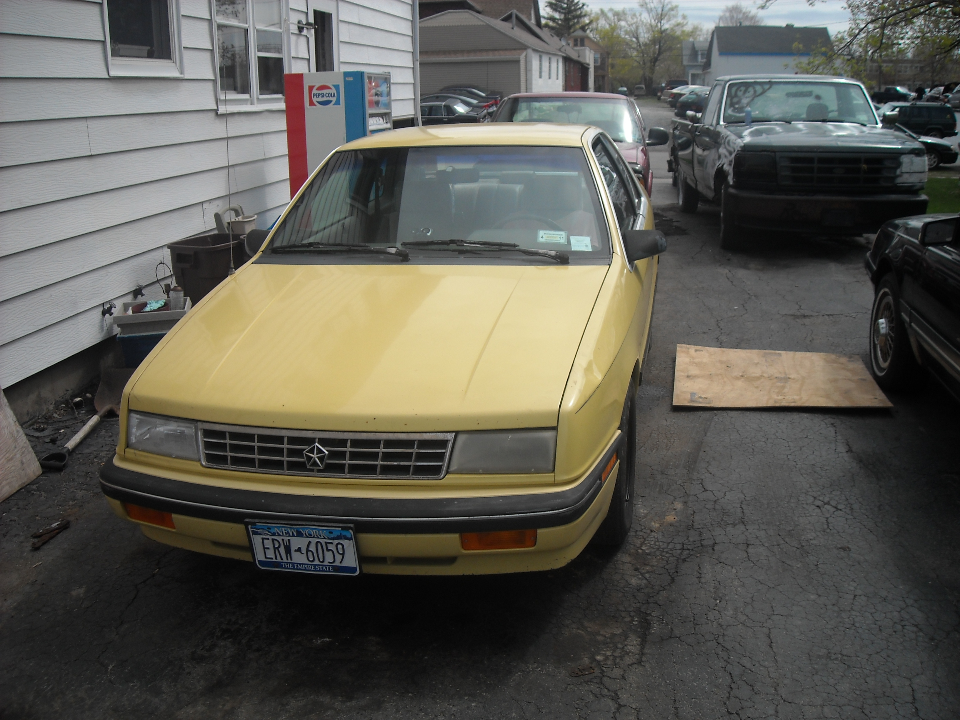 Another fastphilip101 1989 Plymouth Sundance post... - 13469782