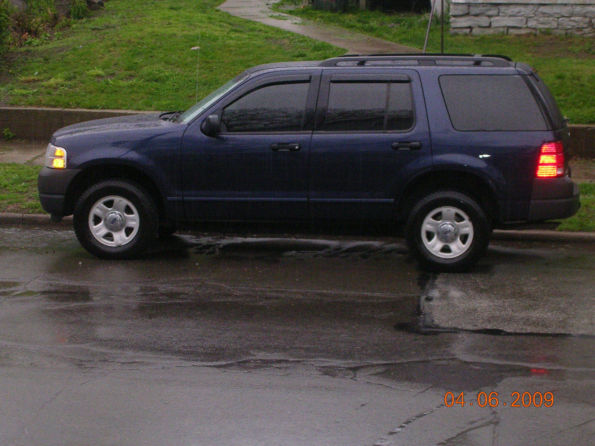 rawbuckz 39 s 2003 ford explorer in erie pa. Black Bedroom Furniture Sets. Home Design Ideas