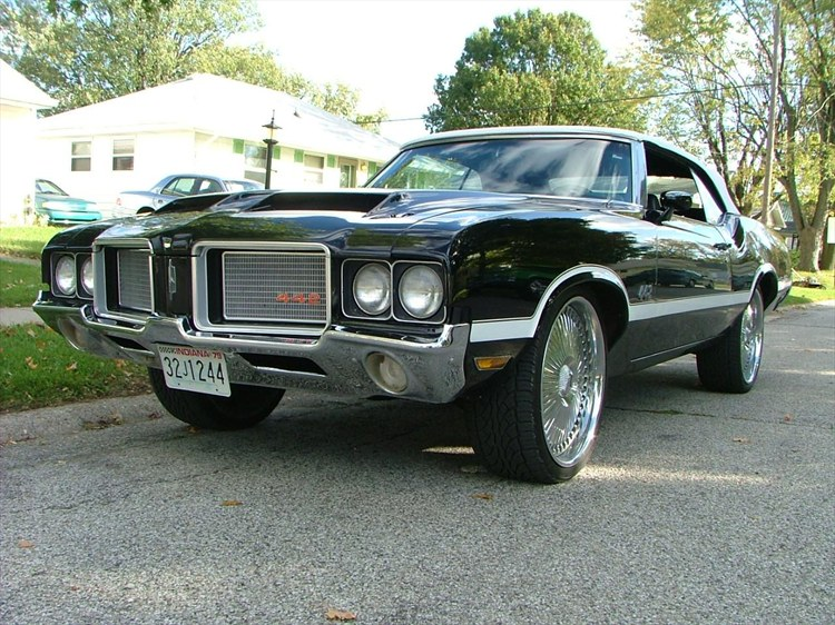 2009 1972 Cutlass Supreme,
