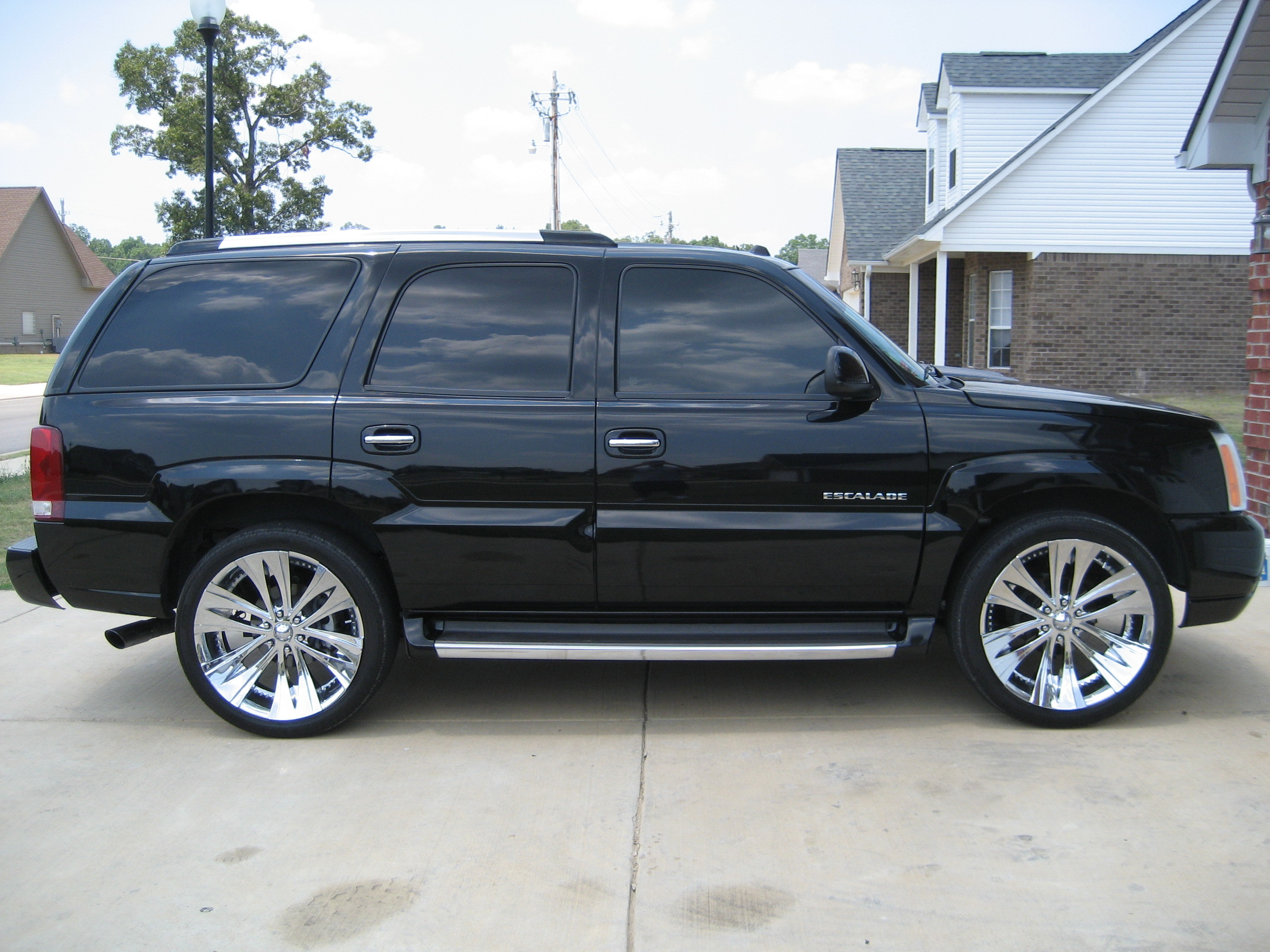 2004 cadillac escalade esv reviews specs and autos weblog. Black Bedroom Furniture Sets. Home Design Ideas