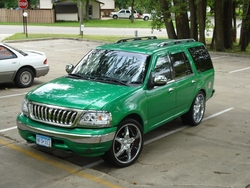 houztones 2002 Ford Expedition