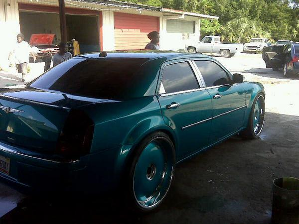 Another YoUNG_ChEVY_BoY 2006 Chrysler 300 post... - 13293489