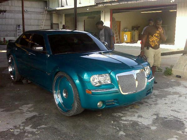 Another YoUNG_ChEVY_BoY 2006 Chrysler 300 post... - 13293491