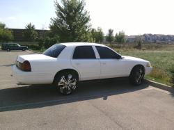 gunclappas 2003 Ford Crown Victoria