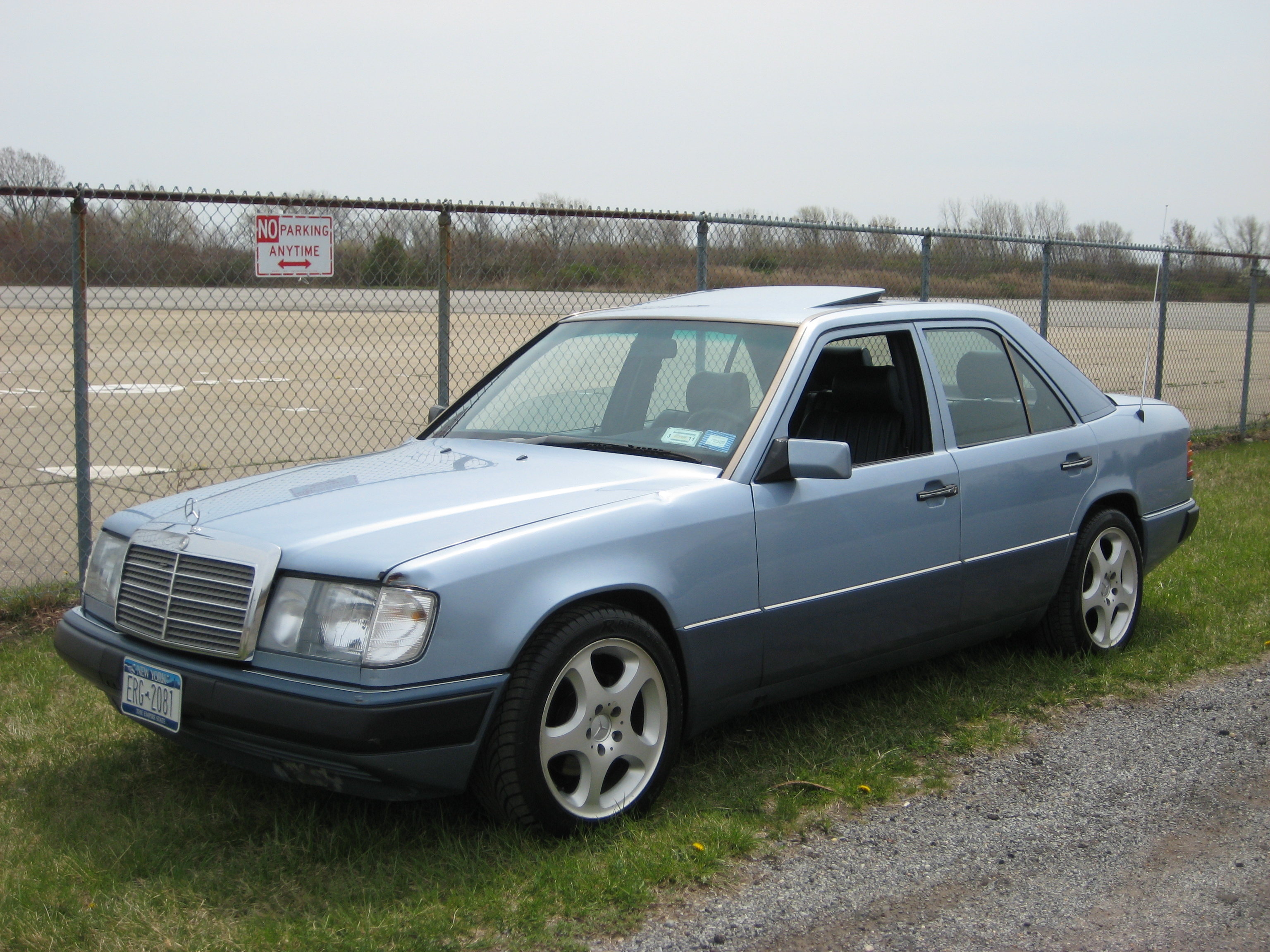 droisking 1991 mercedes benz 300e specs photos