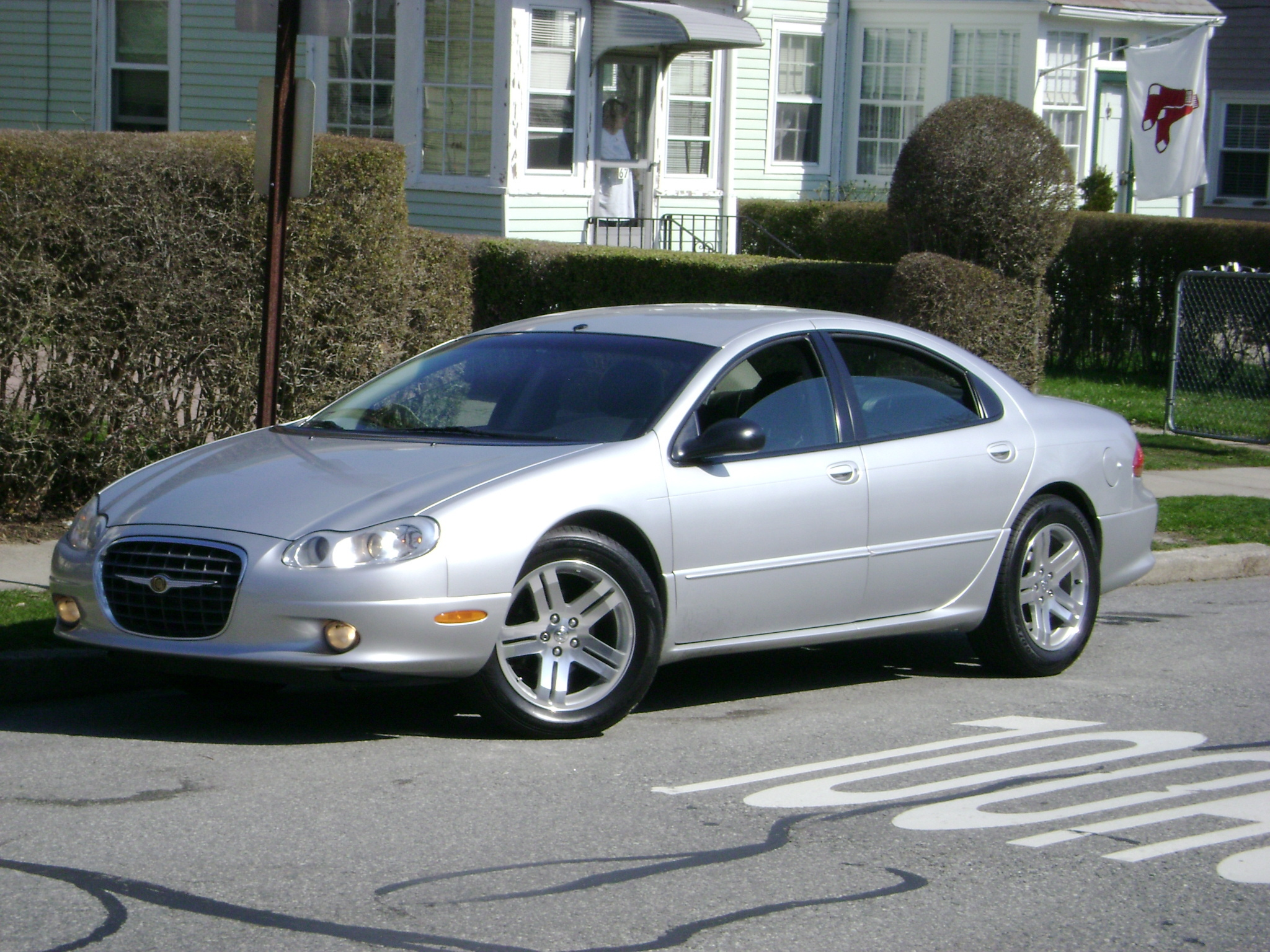 Charhole 2002 Chrysler Concorde Specs Photos