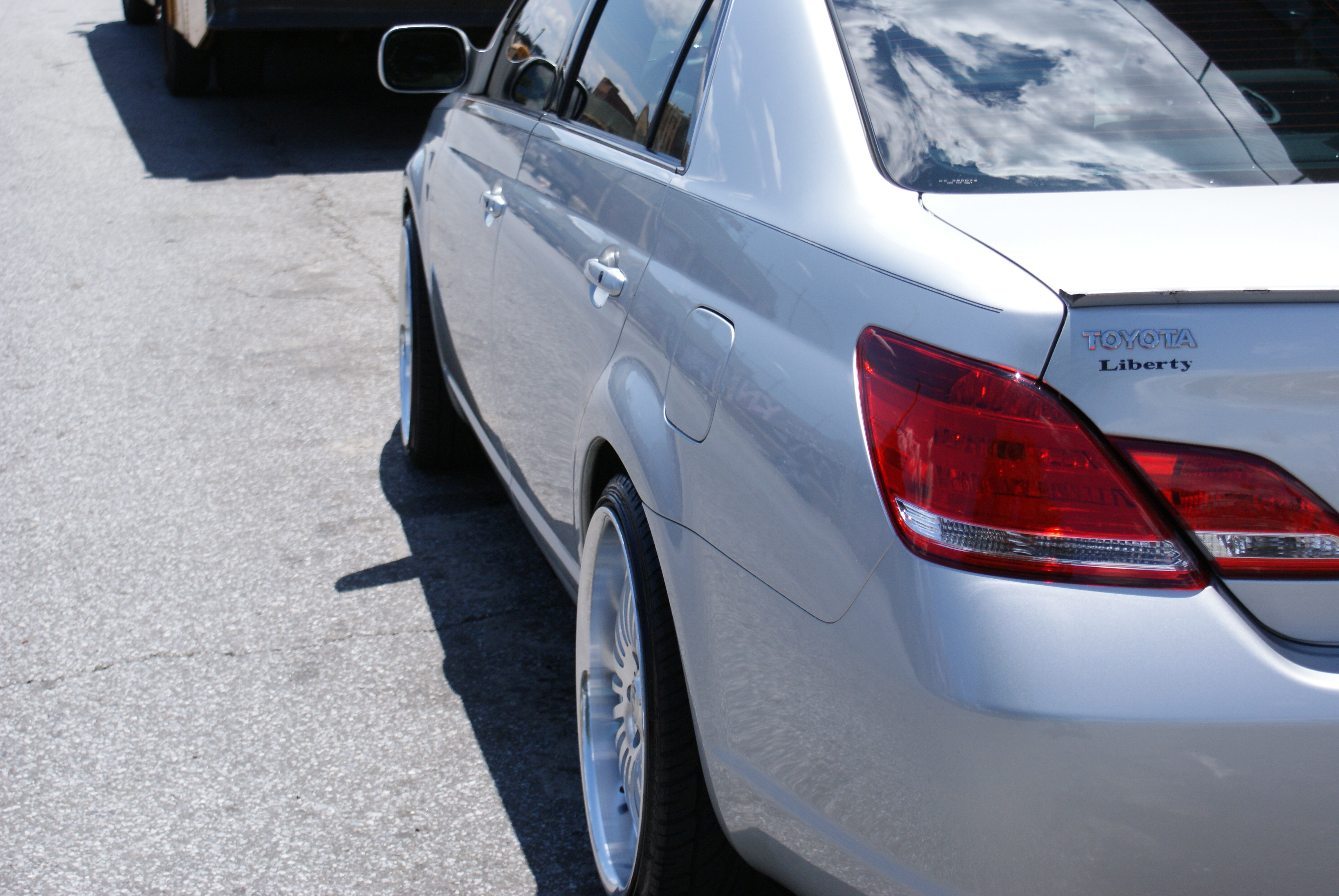 Another gdoginya 2005 Toyota Avalon post... - 13322505