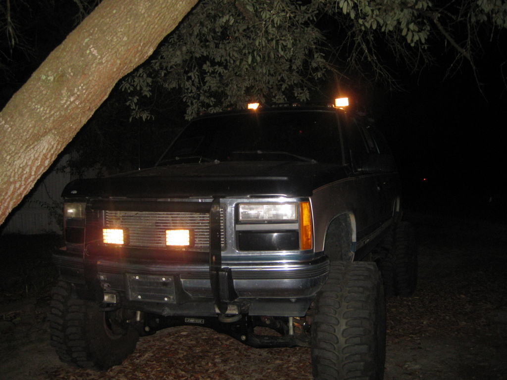 Another frank_24 1993 GMC Suburban 1500 post... - 13343436