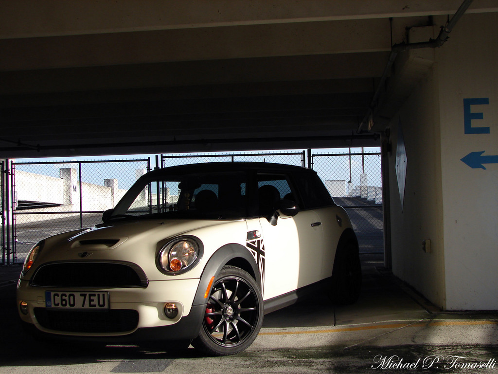 100-PercentJuice 2009 MINI Cooper
