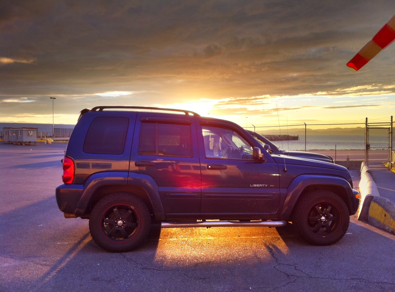 Amster_G 2002 Jeep Liberty 13344172