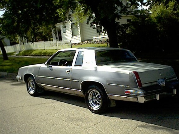 85-oldsCutlass's 1985 Oldsmobile Cutlass Supreme