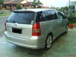 david_thena 2005 Toyota Wish