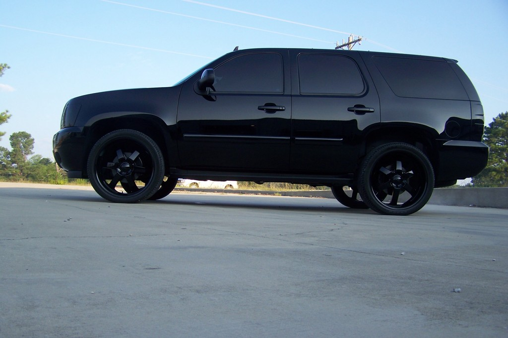 Black on black tahoe submited images