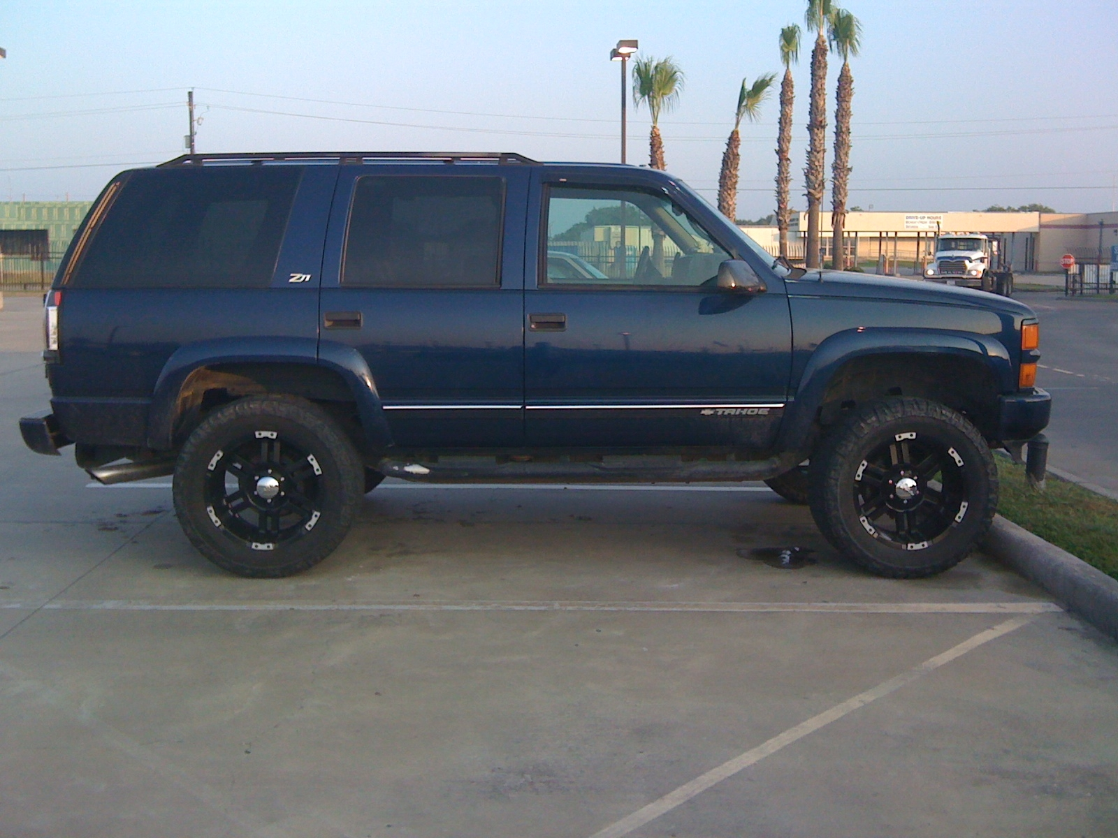RiKTuR 2000 Chevrolet Tahoe Specs Photos Modification Info at