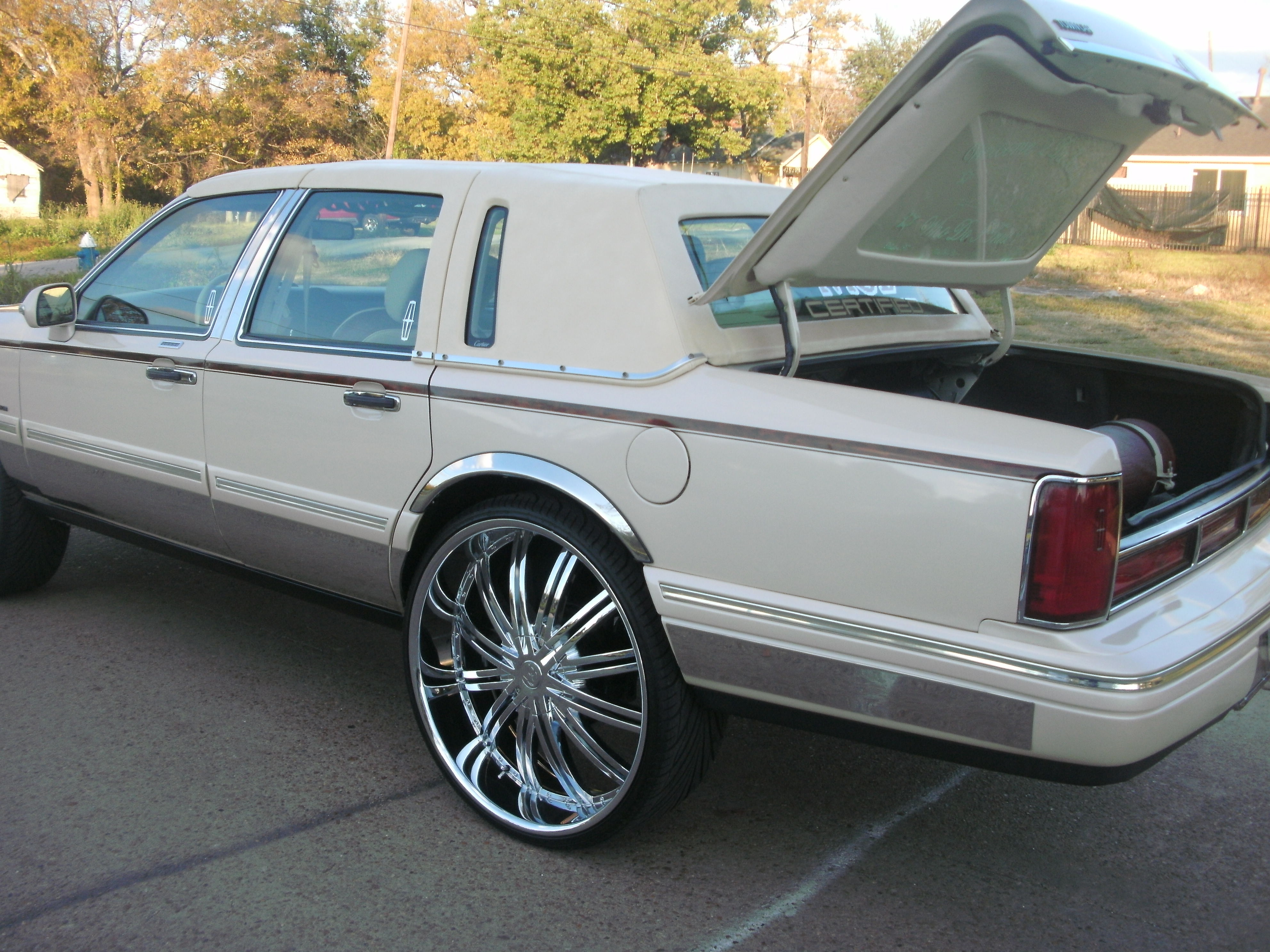 mobster26 1996 lincoln town car specs photos modification info at cardomain. Black Bedroom Furniture Sets. Home Design Ideas