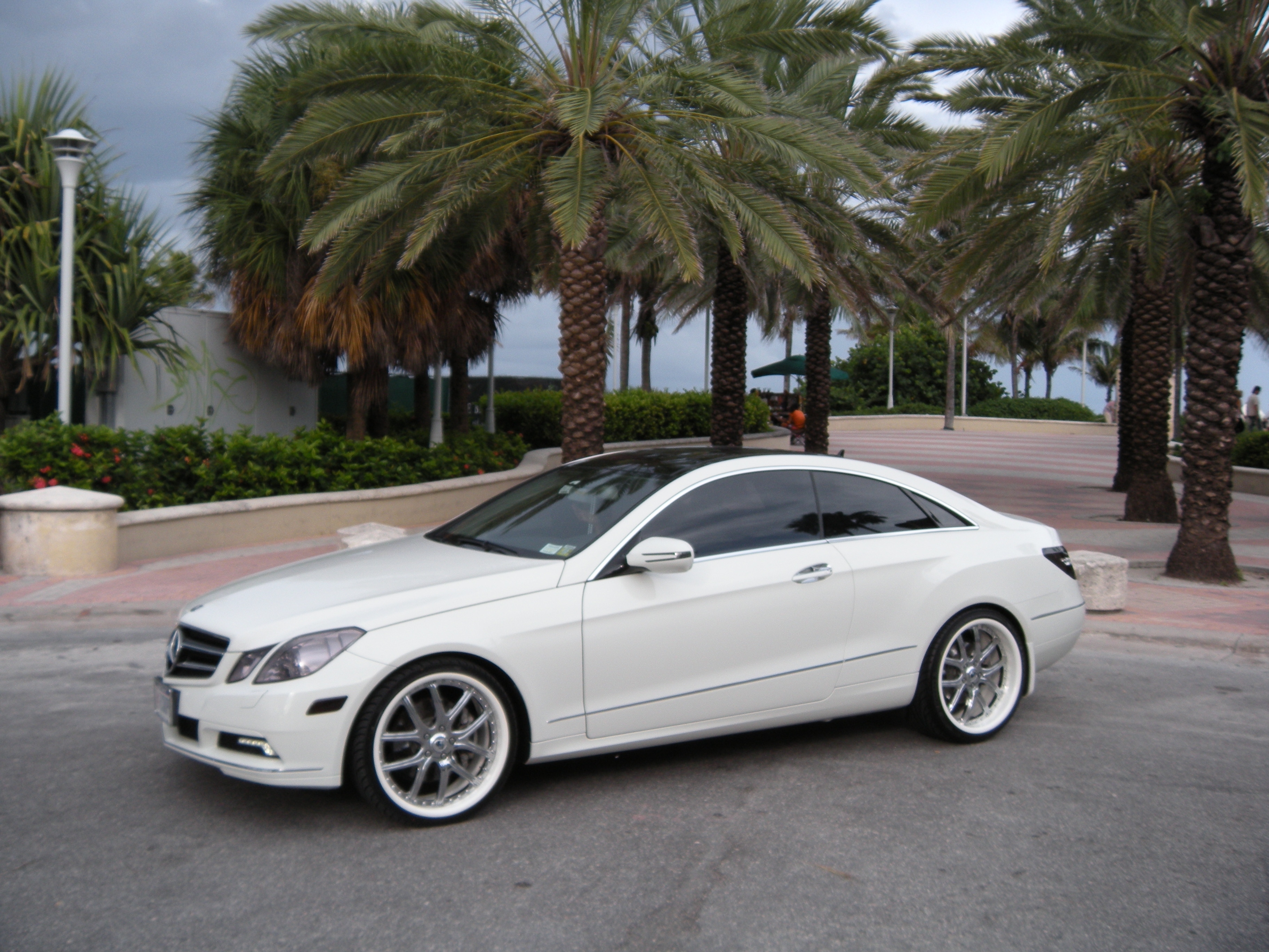 YoUnG_MoNeY_BX 2010 Mercedes-Benz E-Class 13358753