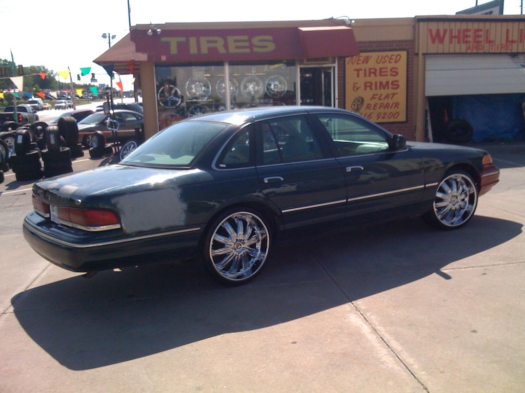 ryoung405 1997 Ford Crown Victoria Specs Photos Modification