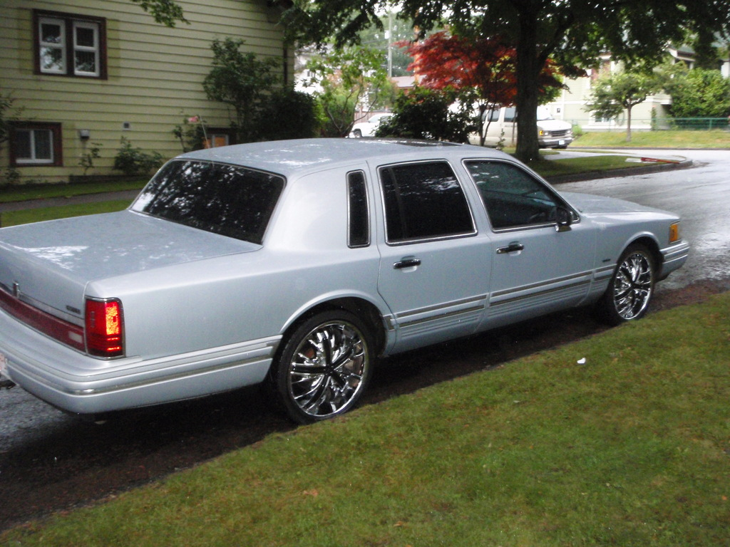 pearlykid 1993 lincoln town car specs photos. Black Bedroom Furniture Sets. Home Design Ideas