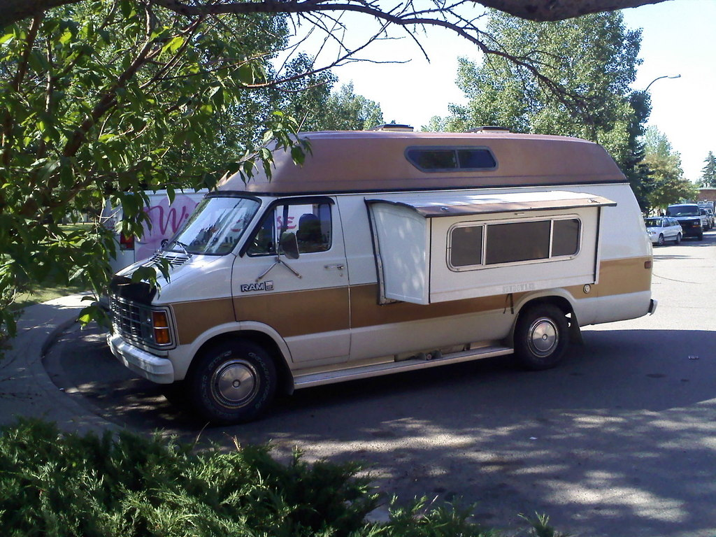 B250ROYALE 1981 Dodge Ram Van 150 Specs Photos Modification Info