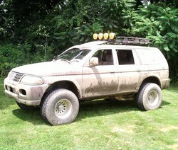 LoungeLizards 2001 Mitsubishi Montero Sport