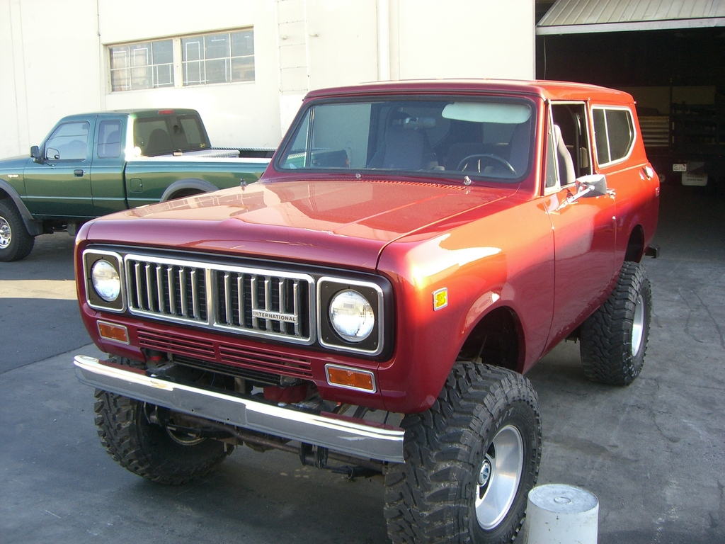 1975 International Scout II   Streetside Classics - The Nations Trusted Classic Car Consignment