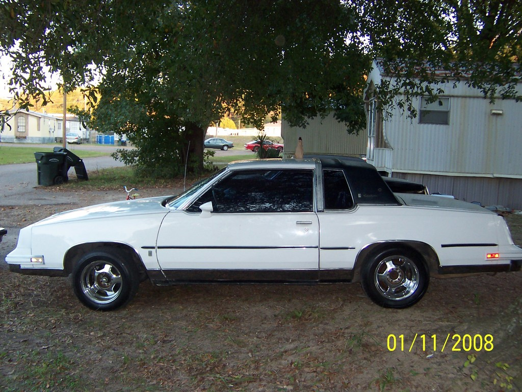Another I-AINT-GOT-IT 1985 Oldsmobile Cutlass Supreme post... - 13383678