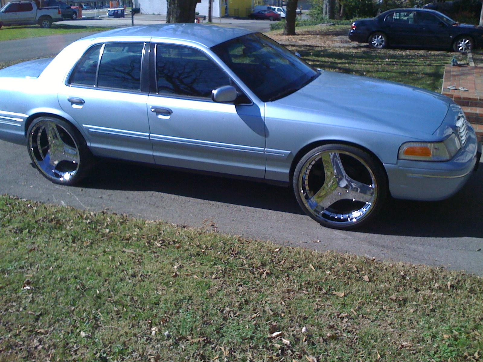 Another cHevySmoka 2000 Ford Crown Victoria post... - 13578685
