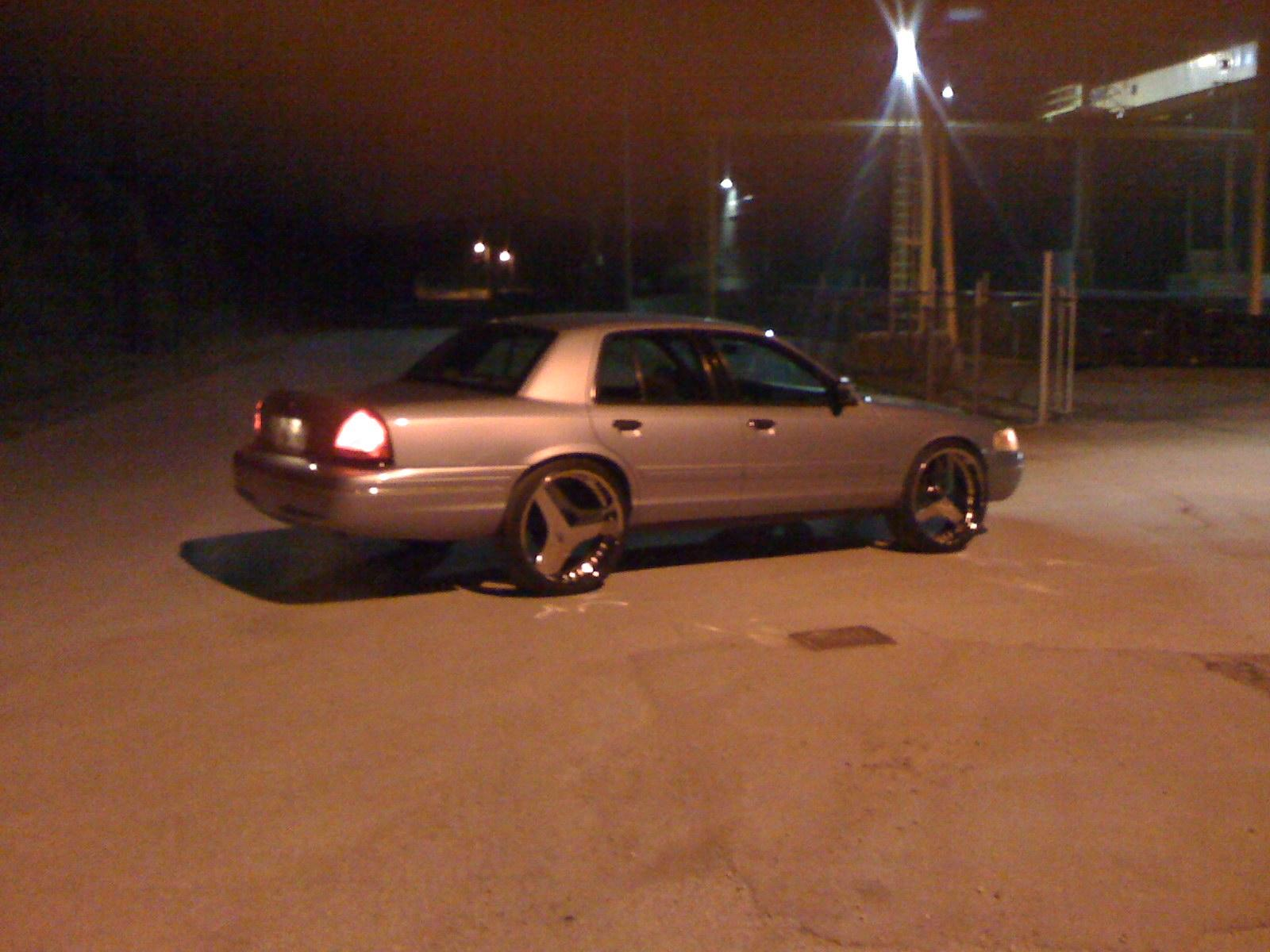 Another cHevySmoka 2000 Ford Crown Victoria post... - 13578686