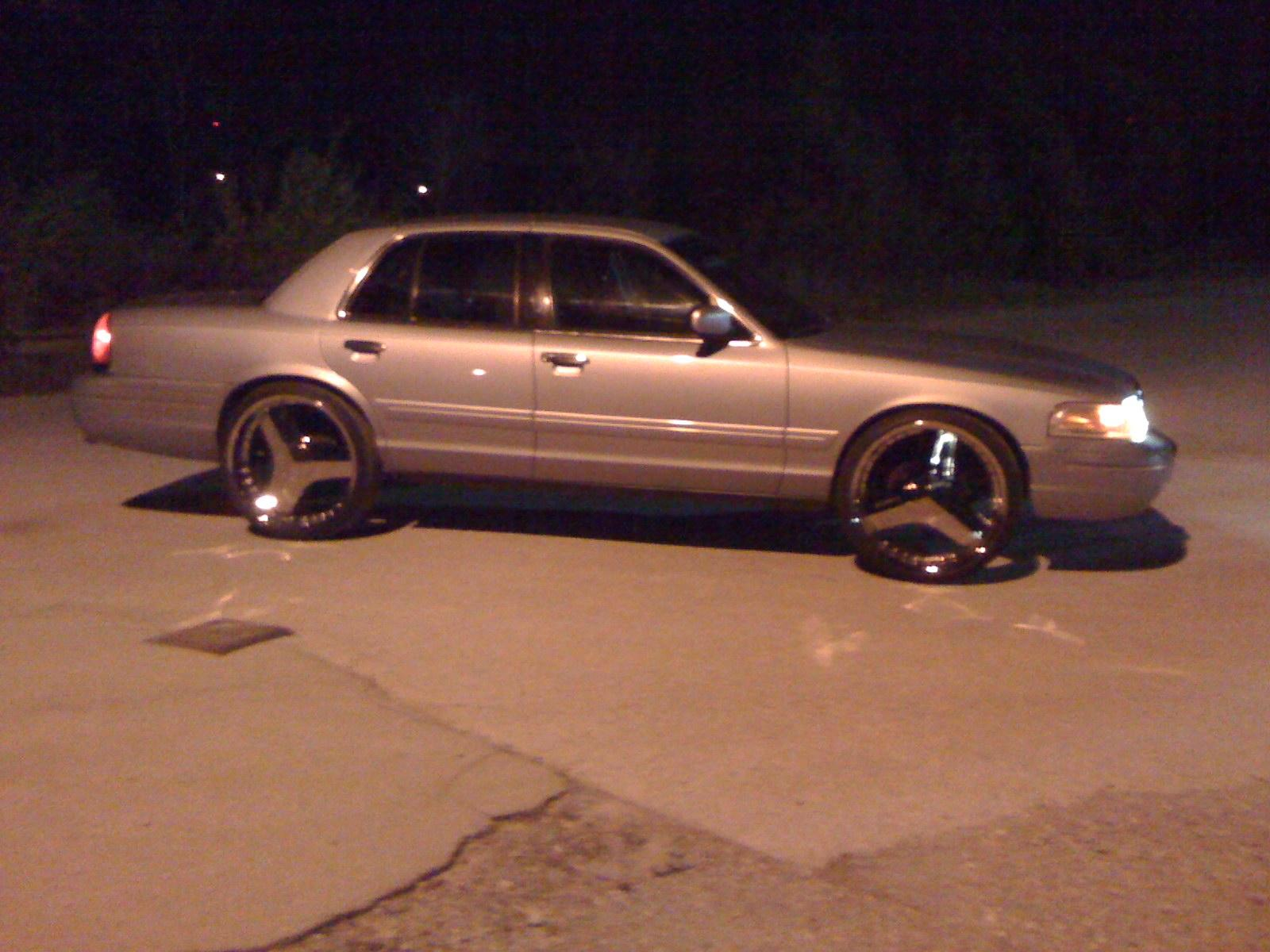Another cHevySmoka 2000 Ford Crown Victoria post... - 13578689