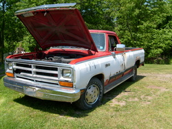 TruckyII 1988 Dodge D150 Club Cab