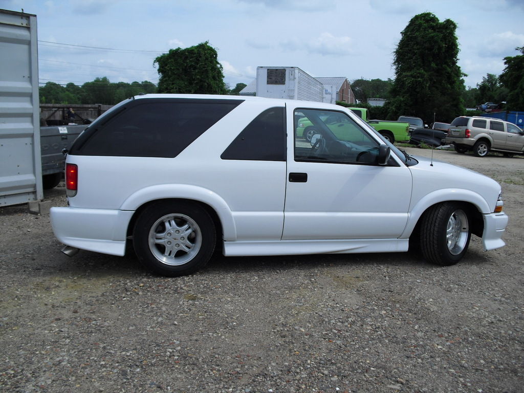 Geo Metro additionally Index likewise Chevrolet S10 Blazer White 5 furthermore 450075 further 43769 06 09 Trailblazer Ss  plete Lowering Guide Pics. on white chevy blazer