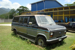 ejallus 1987 Ford Econoline E150 Passenger