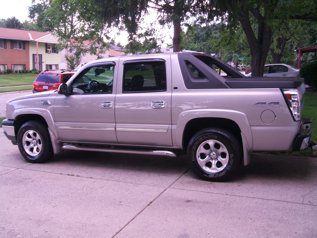 antsavy 2005 chevrolet avalanche specs photos. Black Bedroom Furniture Sets. Home Design Ideas