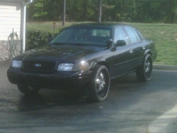 WavyVics 2003 Ford Crown Victoria