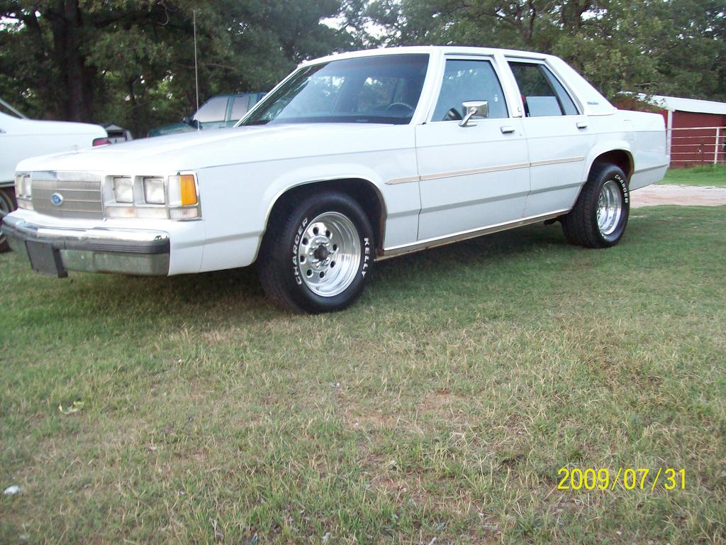 91CrownVicLTD 1991 Ford LTD Crown Victoria Specs Photos