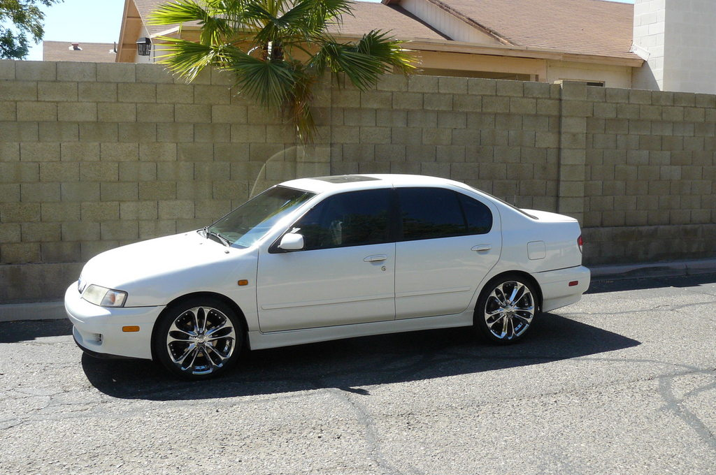 Another MJs_2kG20 2000 Infiniti G post... - 13638507