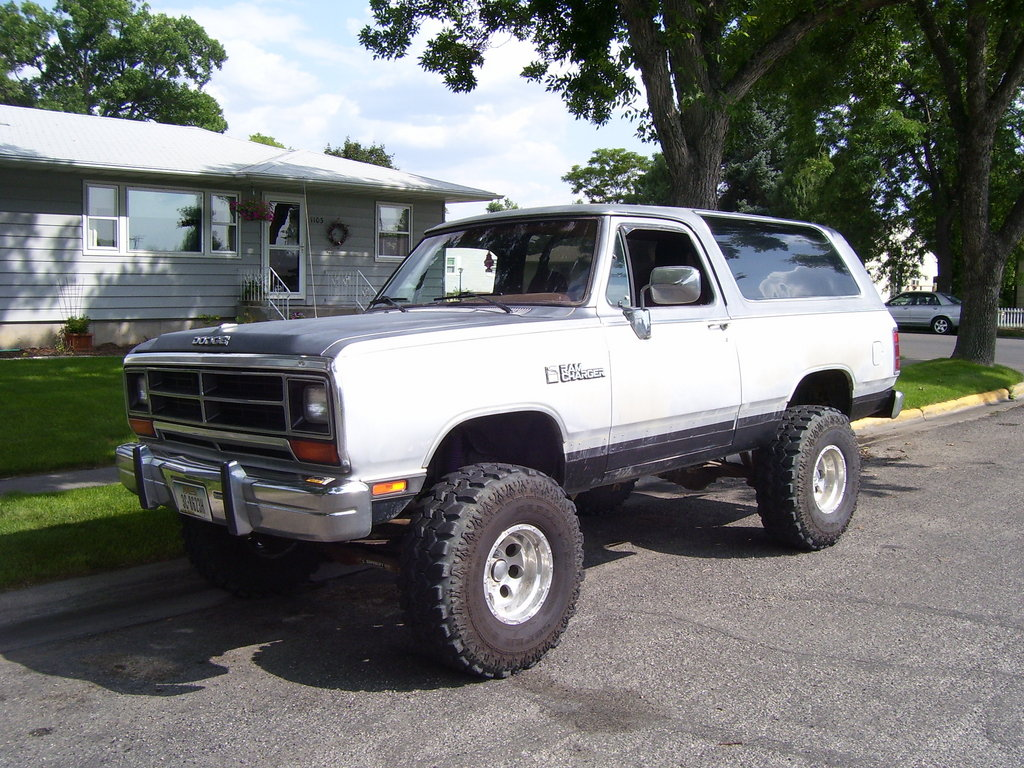 Lifted dodge ramcharger car interior design