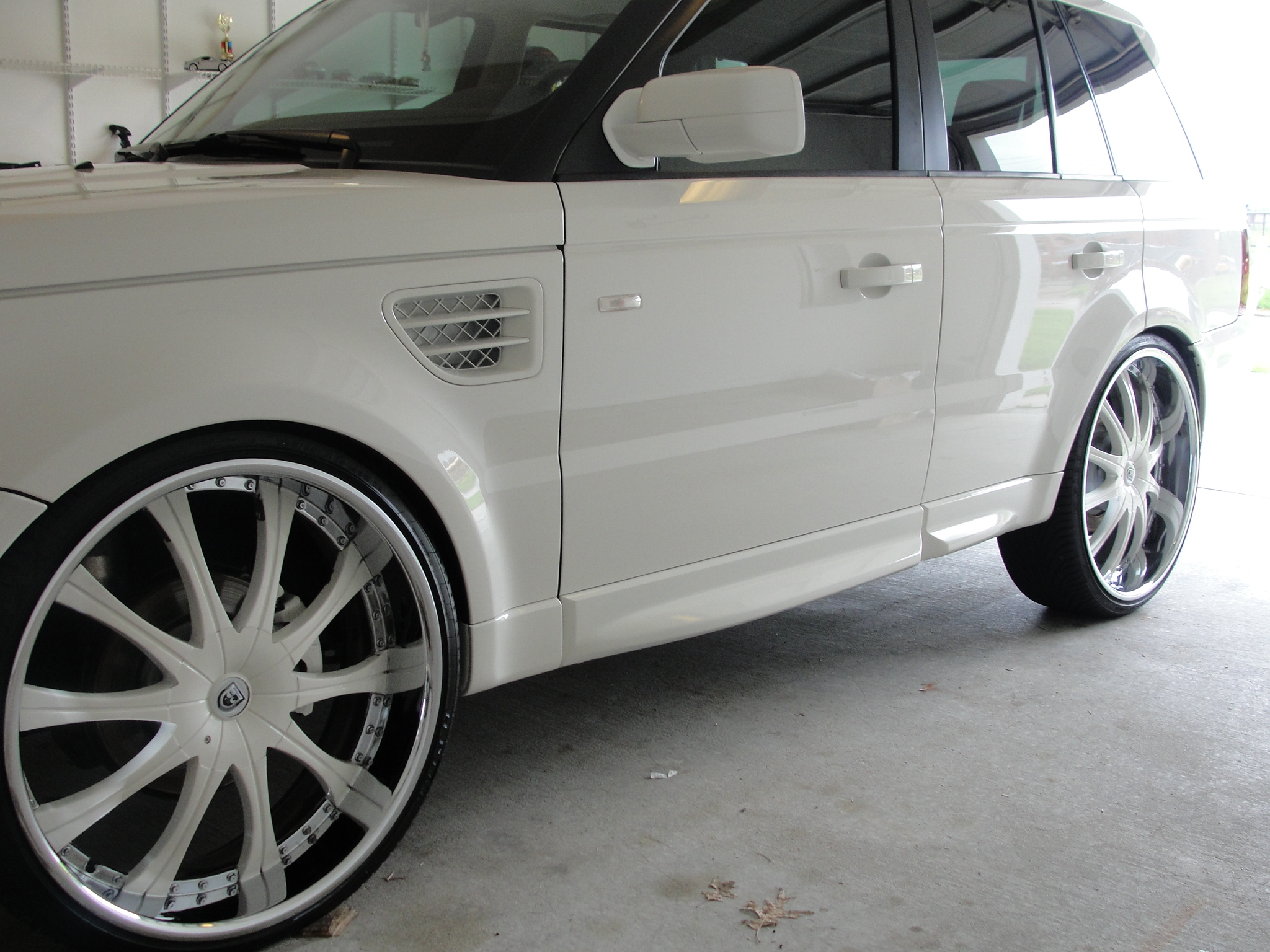 Another SnowWhiteRange 2009 Land Rover Range Rover Sport post... - 13650595