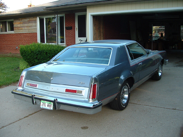 1978 Ford Ltd II Sport http://www.cardomain.com/ride/3373018/1978-ford-ltd/