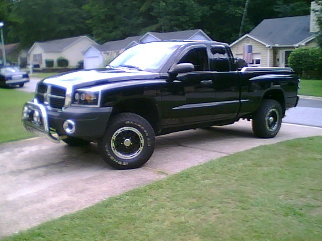 Large on 05 Dakota Lifted