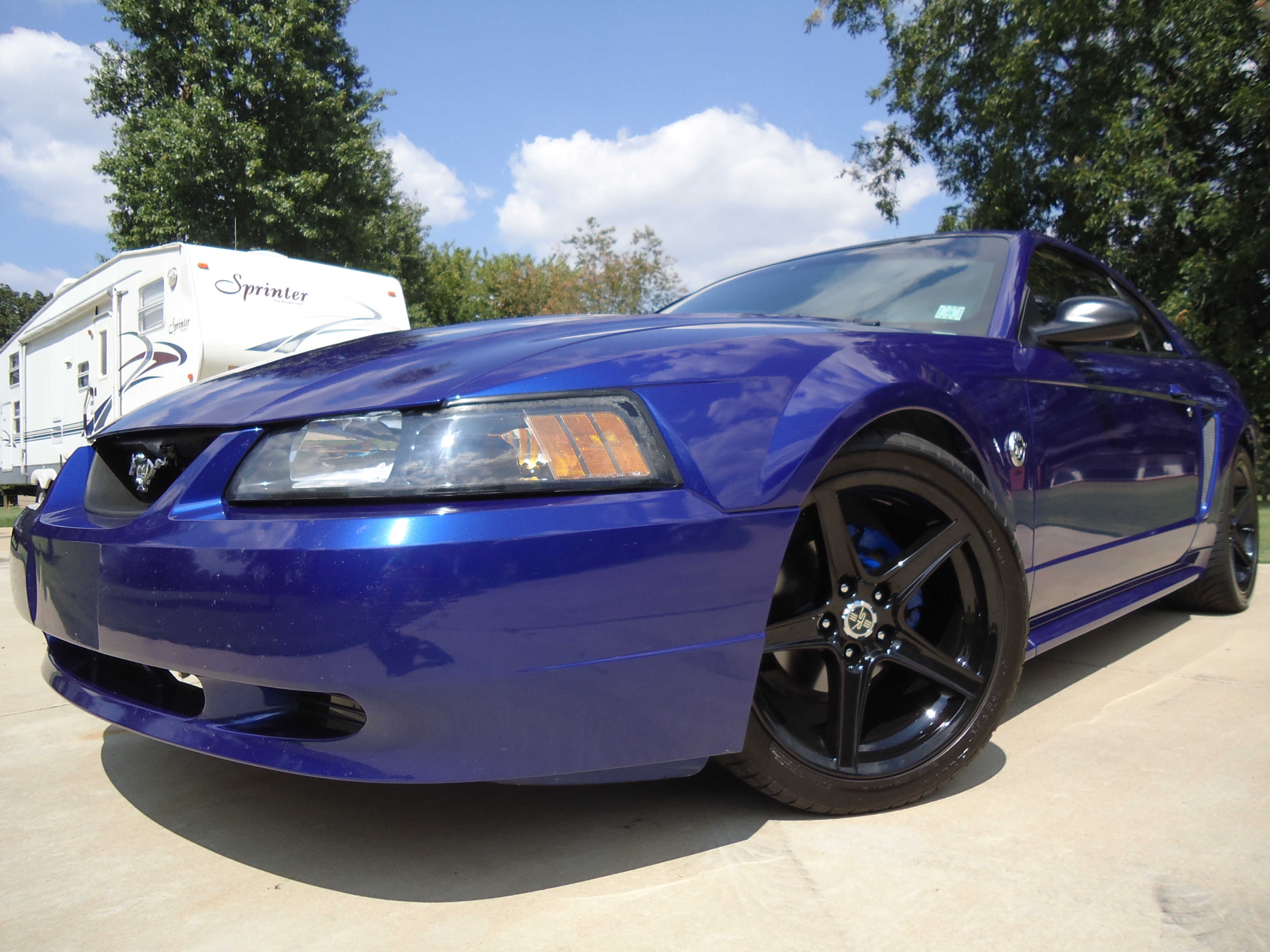 Iasis 2004 Ford Mustang