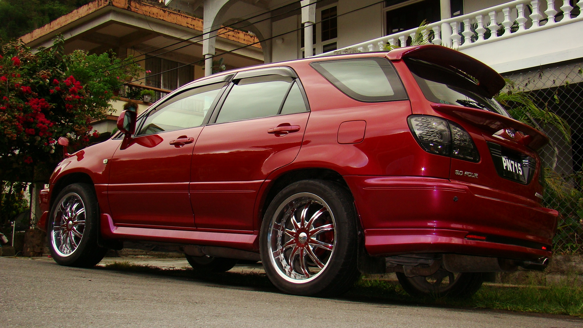 modified lexus rx330 with Harrier Lexus Interior on Unusual Cars To See Stanced V 2 2 in addition 2003 Lexus Rx300 Cars Wallpaper moreover Fluorescent Wheels together with Harrier Lexus Interior likewise Junction Produce Stainless Vip Pillar Reflector.