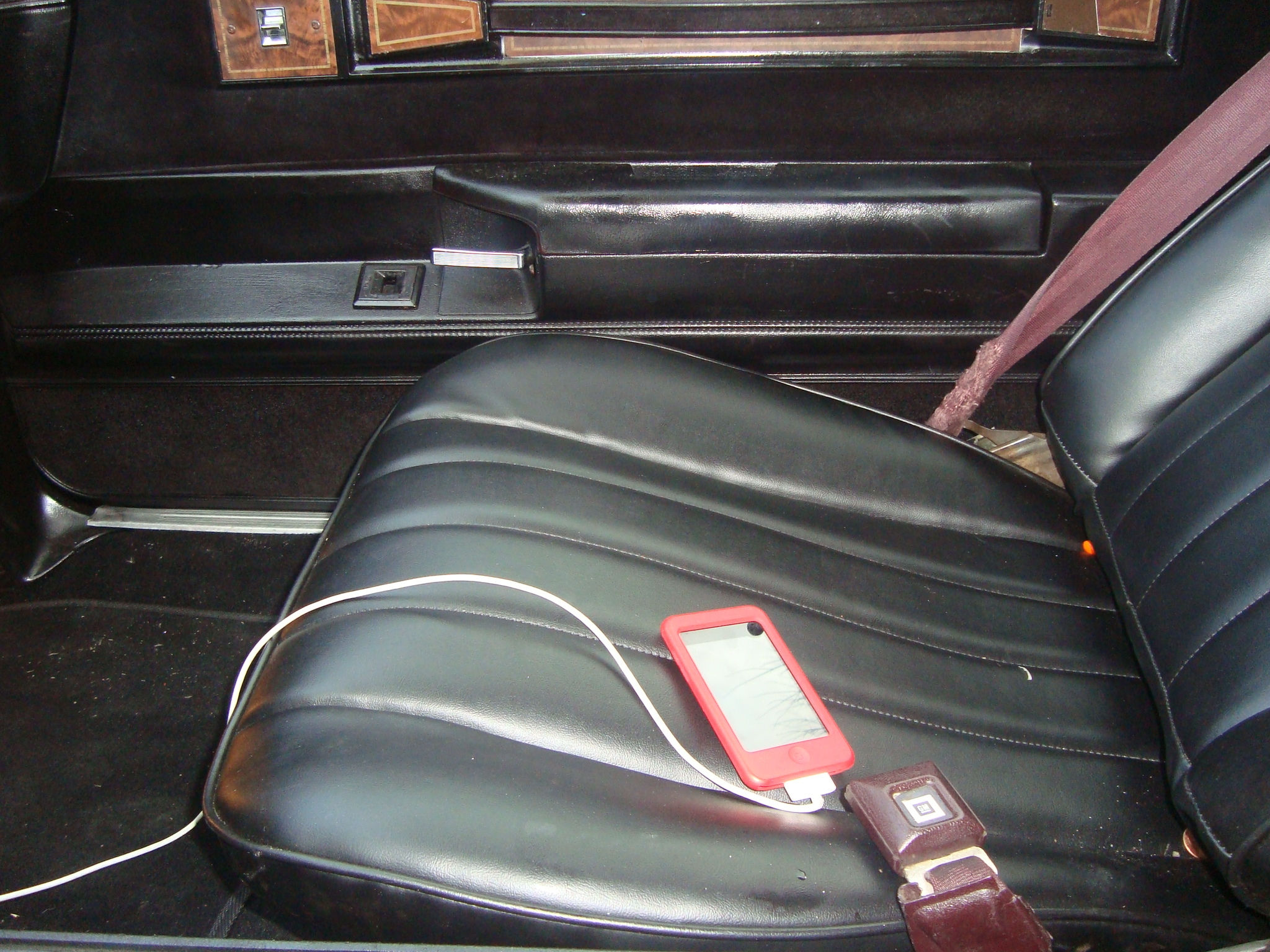 Another a-diferent-cloth 1985 Oldsmobile Cutlass Supreme post... - 13722161