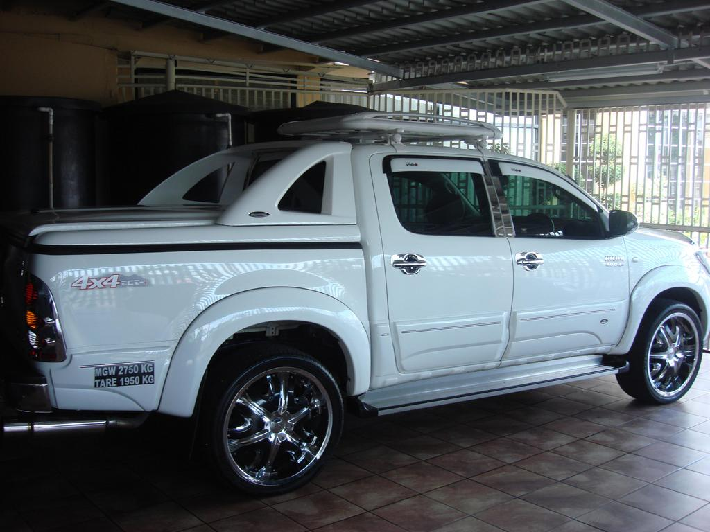 Rondell69 2008 Toyota HiLux 13430495