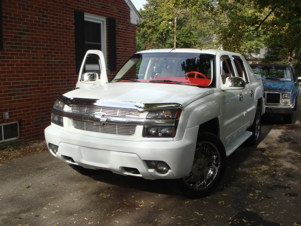 Another 6185205 2005 Chevrolet Avalanche post... - 13727928