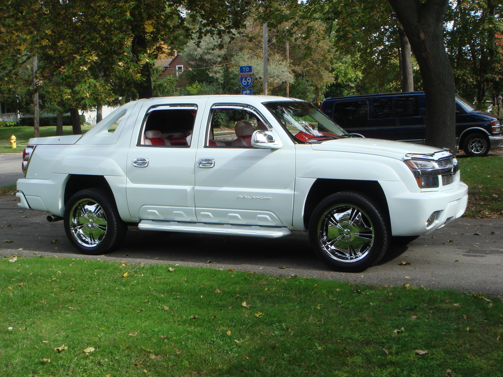 Another 6185205 2005 Chevrolet Avalanche post... - 13727937