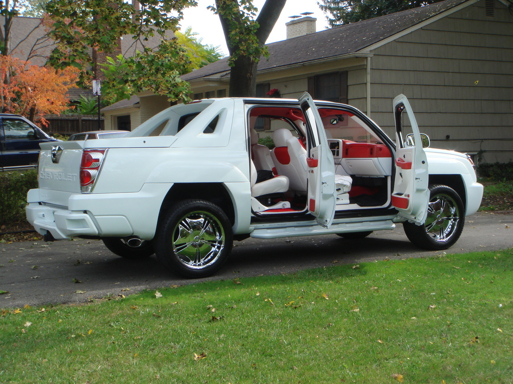 Another 6185205 2005 Chevrolet Avalanche post... - 13727939