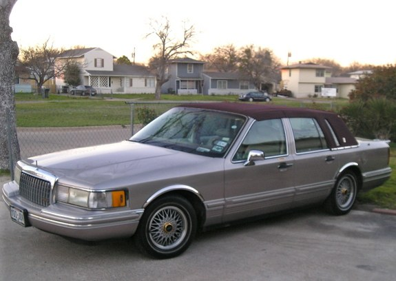da lincolnswanga 1994 lincoln town car specs photos. Black Bedroom Furniture Sets. Home Design Ideas