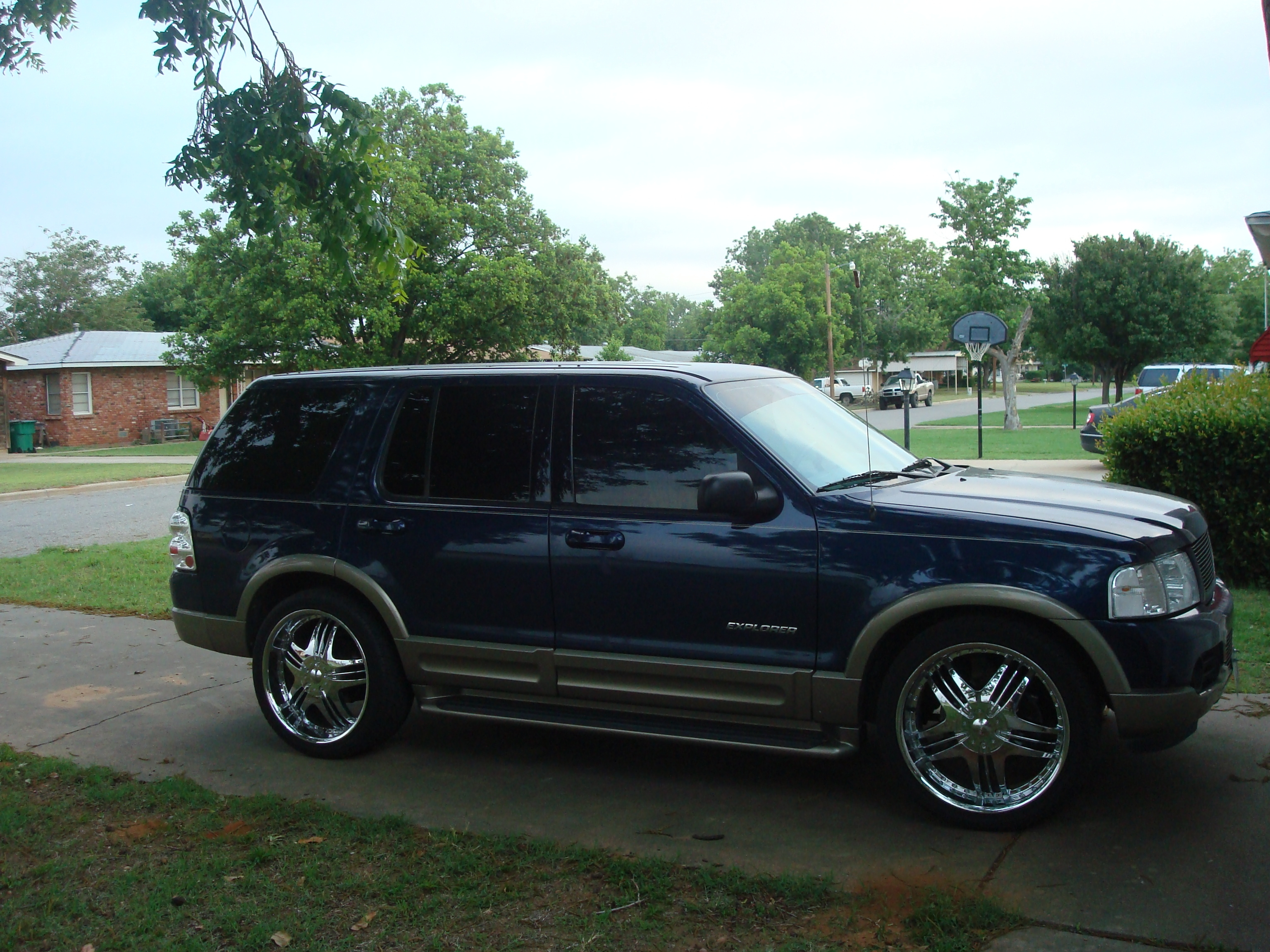Another mexicanfreddurst 2004 Ford Explorer post... - 13753985