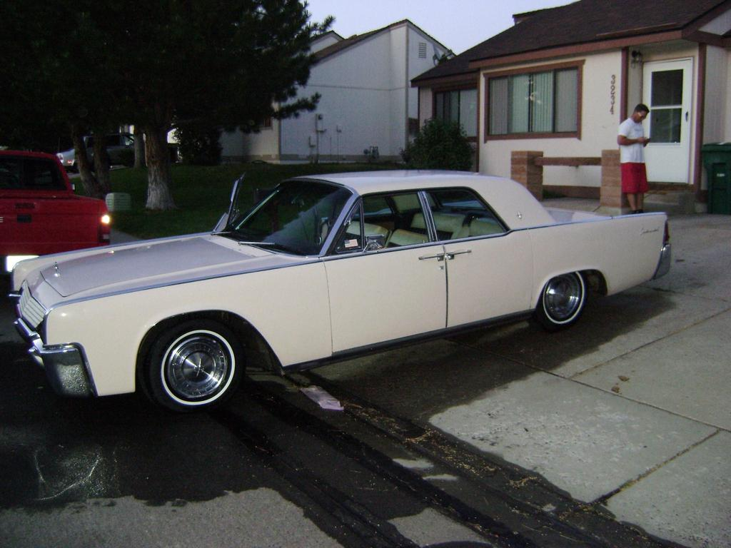 clsmooth44 1961 lincoln continental specs photos modification info at cardomain. Black Bedroom Furniture Sets. Home Design Ideas